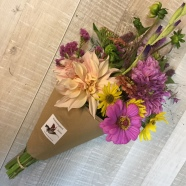 subscription bouquet in august